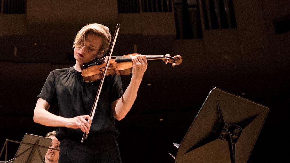 Photo of ACO Principal Violin Satu Vänskä