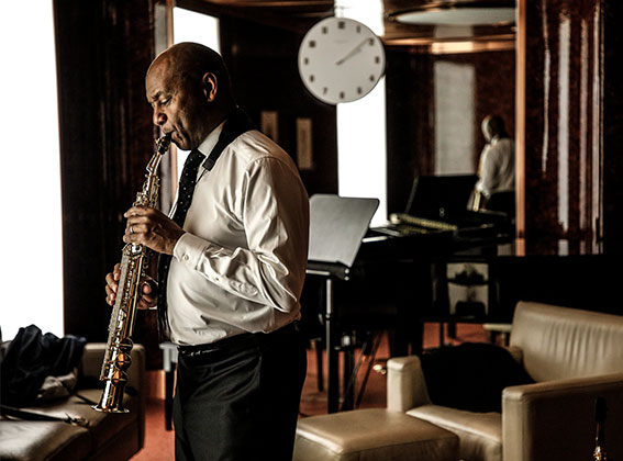 Photo of Branford Marsalis backstage