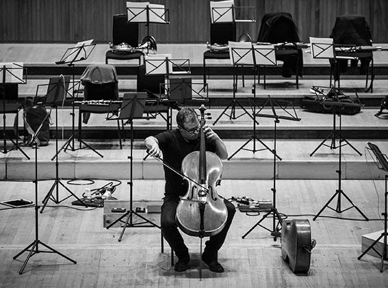 Photo of Principal Cello Timo-Veikko 'Tipi' Valve on stage